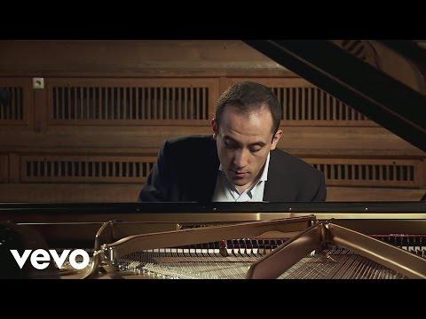 Igor Levit - Beethoven - Diabelli Variations: Tema. Vivace