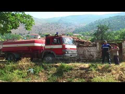 Flakët shkrumbojnë dy banesa - Top Channel Albania - News - Lajme