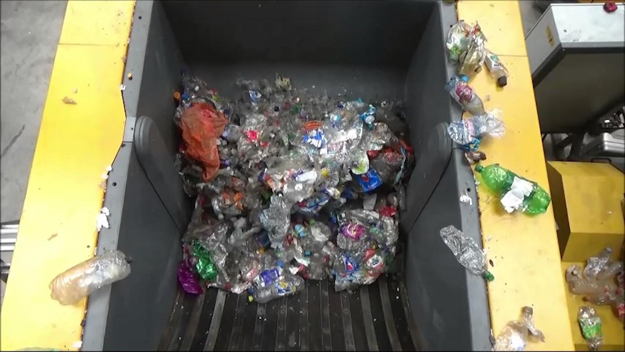 Shredding plastic | Plastic shredder