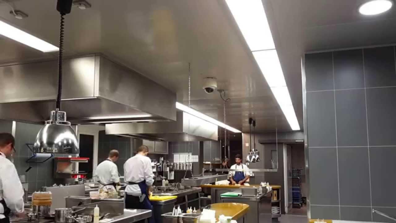Kitchen Das Stue - Cinco Restaurant - YouTube