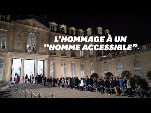 pour-jacques-chirac,-l'hommage-de-centaines-d'anonymes-à-l'Élysée