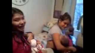 Three moms breastfeeding three babies, tres mamas mamando tres bebes