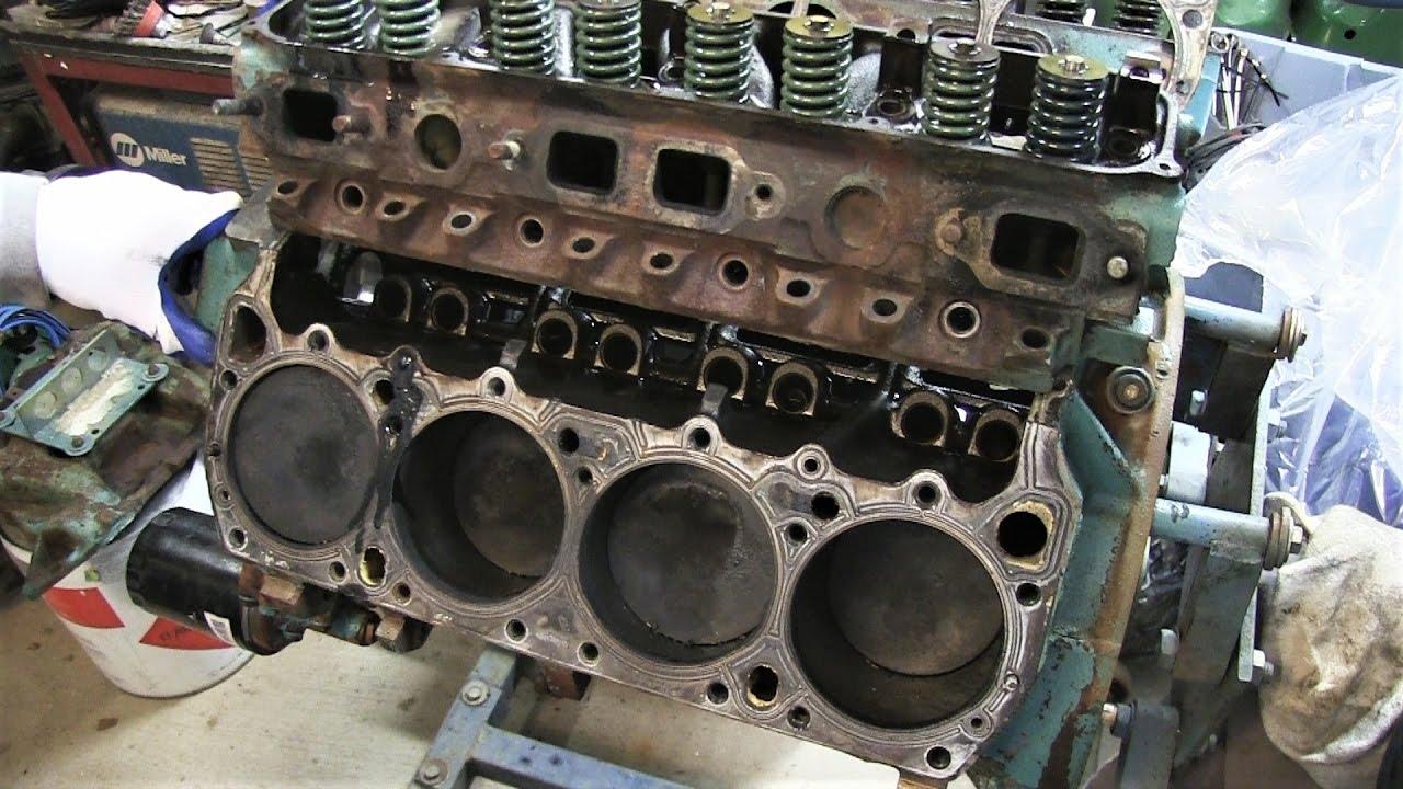 Mopar 440 Engine Build Part 4 - Remove Cylinder Heads