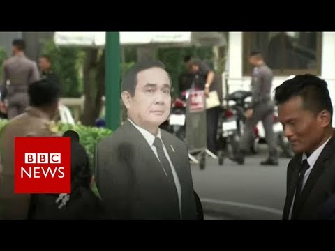 Thai PM uses cardboard cutout to avoid questions - BBC News