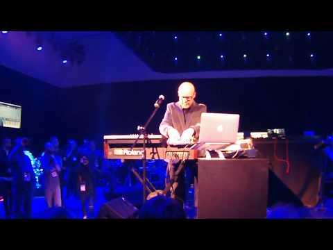 NAMM 2018 - Thomas Dolby plays