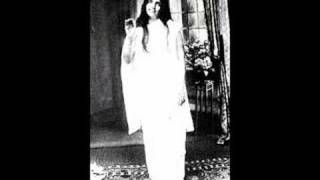"Sri Anandamayi Ma ""Hari, Hari"": Her Words (1896-1982)  *W/ her real voice"