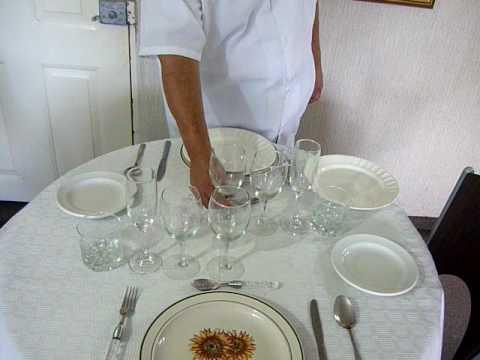 Montaje mesa 2 personas youtube for Como poner una mesa bonita