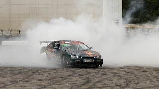 Nissan Silvia s14 burn tires on drift track