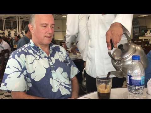 Cafe con Leche service at La Parroquia de Veracruz, Veracruz, Mexico, 2017-01-28