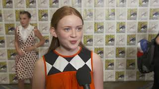 SDCC 2017 : Stranger Things S02 Itw Sadie Sink (official video)