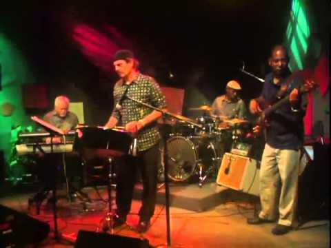 The Bruce Latimer Show - 942