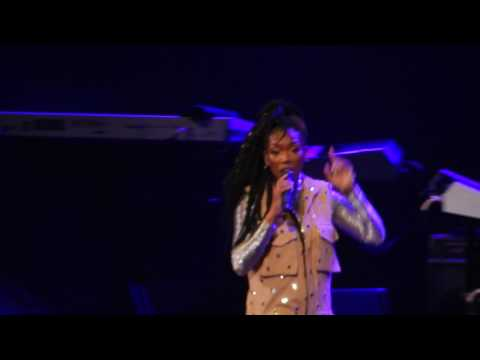 "Brandy ""Sittin Up In My Room"" Live, Barclays Center NYC"