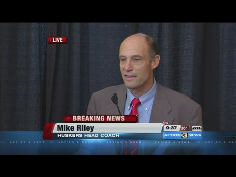RAW: New Huskers head football coach Mike Riley answers questions