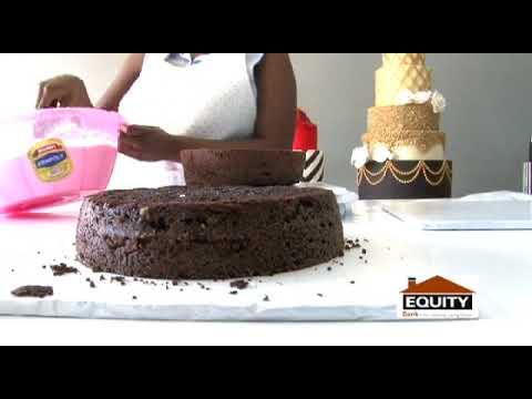 SAMANTHA'S LITTLE CAKE GIRL