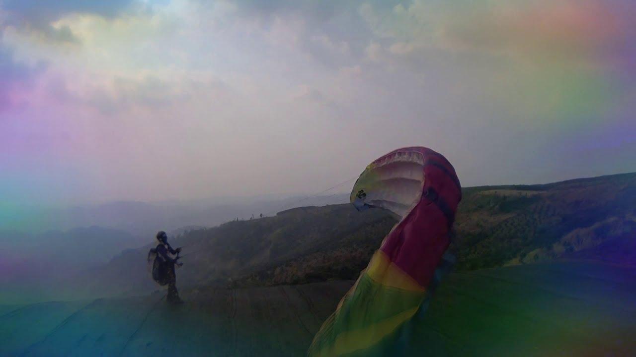 Ht bay dù lượn trên đèo Con Ó (Dateh) 7-3-2020