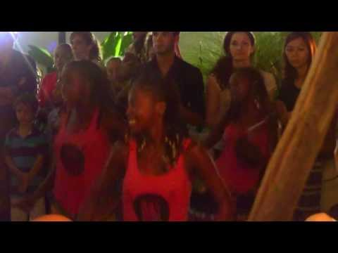 Madagascar! Girls Drumming Group Bloco Malagasy Tour Bangkok!