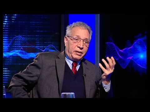 به عبارت دیگر: گفتگو با احمد کریمی حکاک
