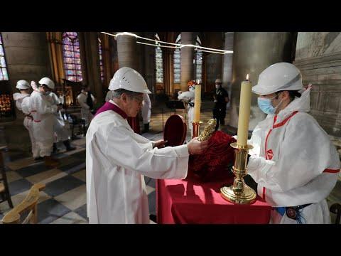 فرانس24 تنقل جزءا من قداس الجمعة العظيمة من كاتدرائية نوتردام في باريس
