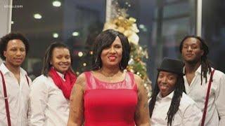 Mother of DeAndre Hopkins tackles adversity
