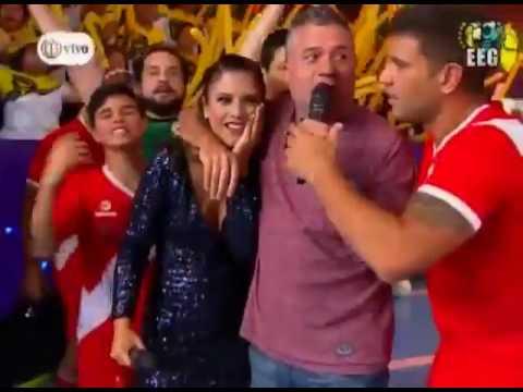 Mathías Brivio le lanzó un pelotazo a María Pía Copello y ella se desmayó