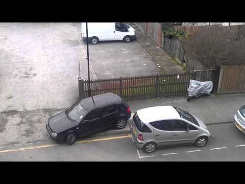 Crazy parking in London - FAIL