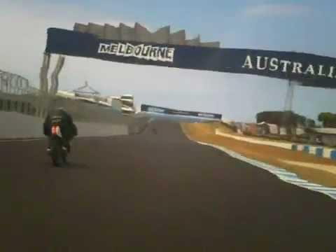 Post Classic Two Stroke Suzuki T20 First race Phillip Island Jan 2013.wmv