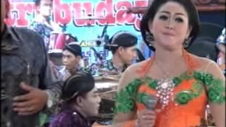 Manes C ursari Tri Budaya.mp3