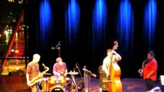 Endangered Blood (Jim Black, Chris Speed, Oscar Noriega, Trevor Dunn) live at Bimhuis, Amsterdam 4