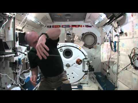 Yo-Yo Tricks In Space - Astronauts Tests His Skills | Video