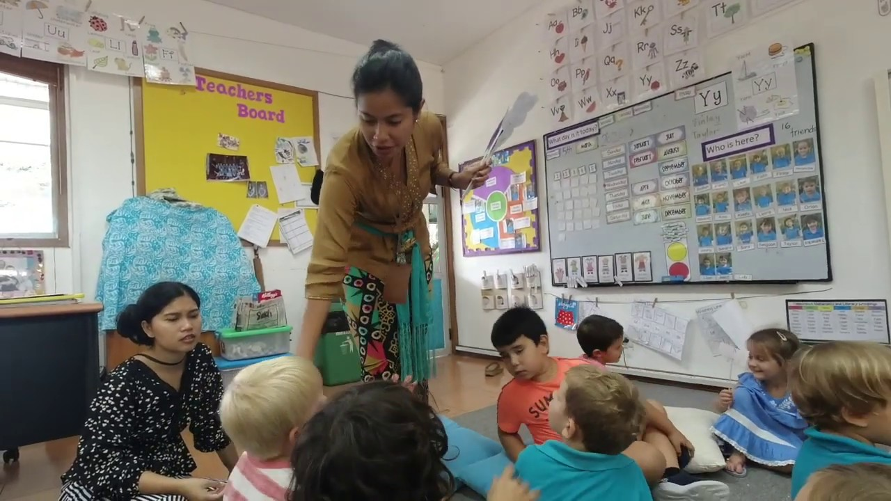 """""""What is a Huggles?"""" with Ibu Dyah and Early Years."""