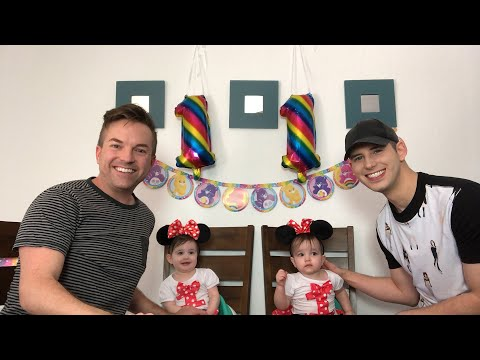 live-first-birthday-party