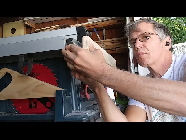 Building A Folding Outfeed Table For A Portable Table Saw