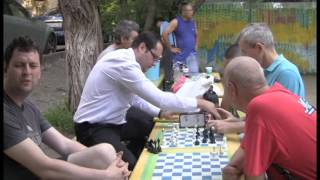 Шахматы во дворе дяди Казиса в Алматы(, 2016-06-09T07:43:42.000Z)