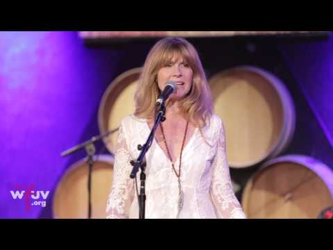 """Larry Campbell & Teresa Williams - """"Everybody Loves You"""" (FUV Live at City Winery)"""