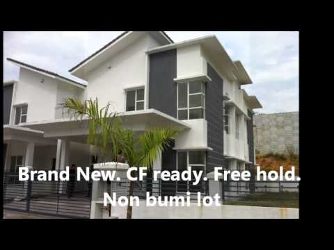 For Sale Corner Lot 2 storey Semi Detached house at Tmn Seri