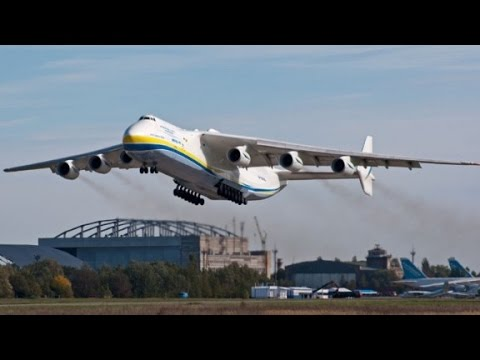 The biggest airplane in the world - YouTube