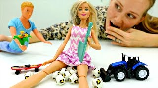 Кен выбирает подарок для #БАРБИ. Игры для девочек и видео про Барби куклы. Мамы и Дочки(Игры для девочек и видео про #барби на канале «Мамы и Дочки». Сегодня Кен в видео для девочек про #куклы Кен..., 2017-01-27T10:36:03.000Z)