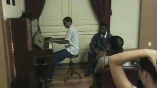 Bossa nova com piano e pandeiro! Muito boa música!