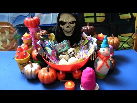Halloween Surprise - Happy Halloween Mở Đồ Chơi Bất Ngờ Care Bear, Spongbob, Pet Shop, Play-Doh Eggs