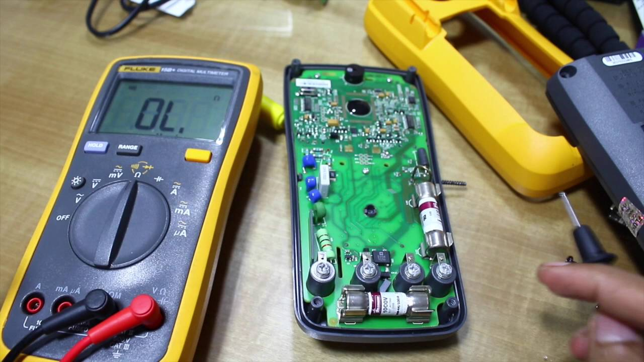 Fluke17b  Fuse Replacement
