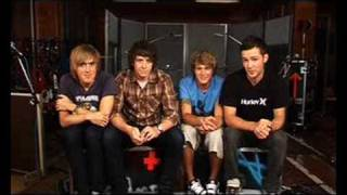 Official - McFly Outtakes From Olympic Studios Resimi