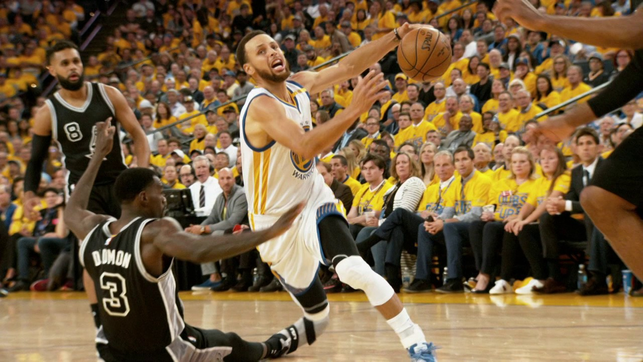 eb8b1954477 Best Plays From The Golden State Warriors' Historic Playoff Run ...