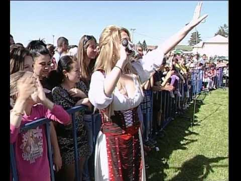 LORENNA spectacol la Bradesti-Dolj de 1 Mai 2012-paduricea,pt spectacole...0728.222.533