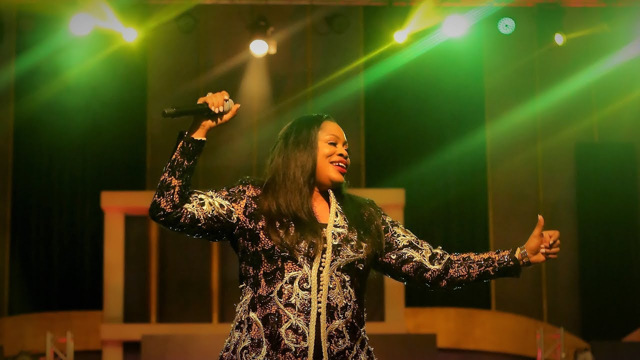 SINACH: THERE'S AN OVERFLOW (LIVE)