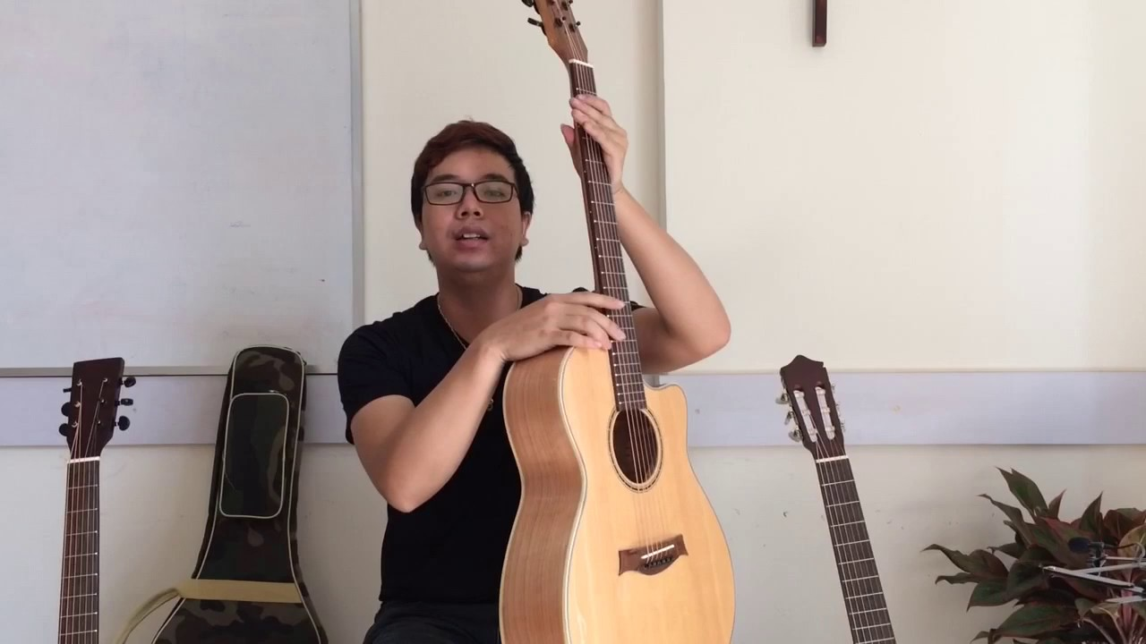 Mới tập guitar nên chọn Acoustic hay Classic?Đàn nào tốt tầm 1tr?