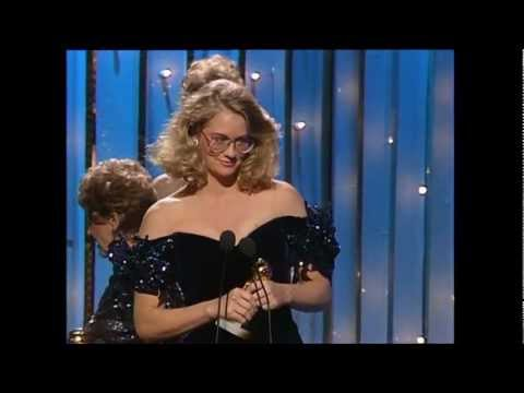 Cybill Shepherd Wins Golden Globe Award 1986