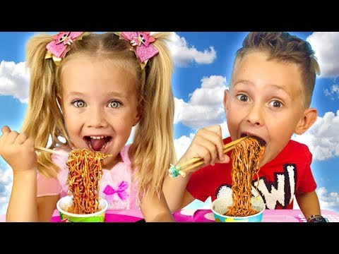 Sasha cooking Black Noodle & playing in Restaurant with Toy Kitchen