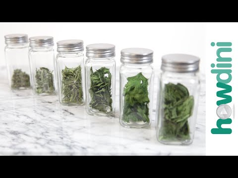How to Dry Fresh Herbs in the Microwave: Howdini Hacks