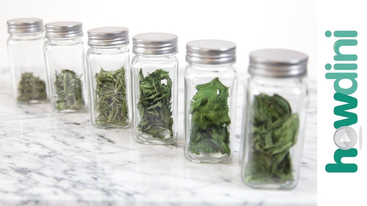 4 Herbal Hacks That Will Make Your Hormones Work Better foto