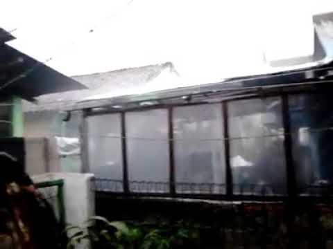 hujan es di Depok, Minggu 1/10/17 sore